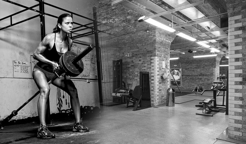 Едно от най-добрите упражнения за гръб-Гребане с Т-щанга или така наречената Мечка