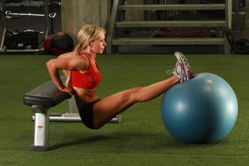 Полезна информация - Трицепс с фитнес топка